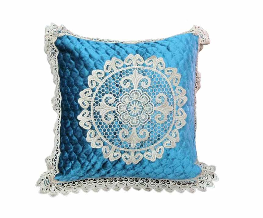 Декоративная наволочка на подушку с кружевом голубой