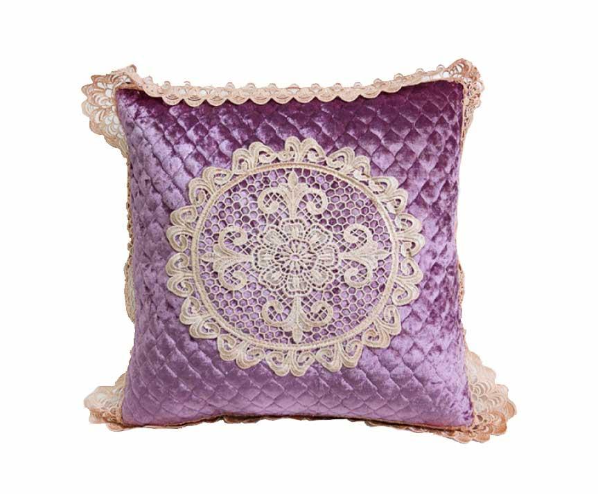 Декоративная наволочка на подушку с кружевом сиреневый