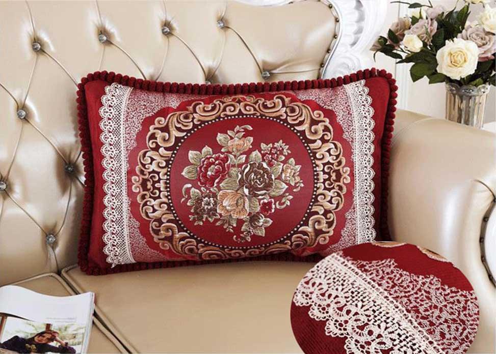 Декоративная наволочка с вышивкой бордо
