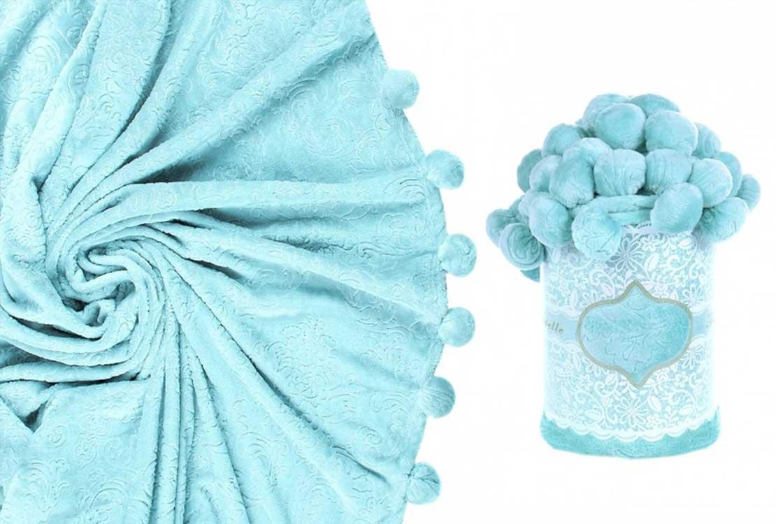 Плед с помпонами голубой