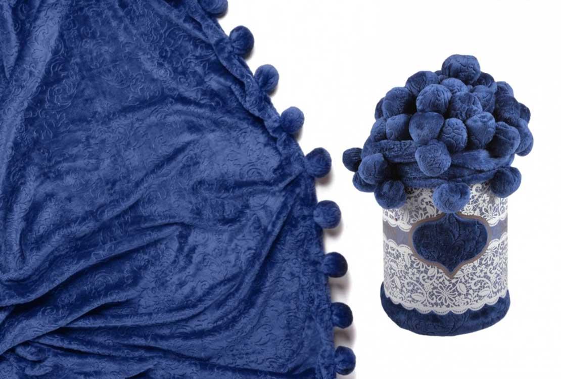 Плед с помпонами синий