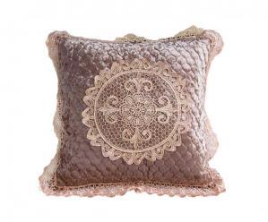 Декоративная наволочка на подушку с кружевом какао
