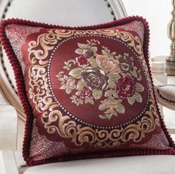 Декоративная наволочка с вышивкой бордо m-01