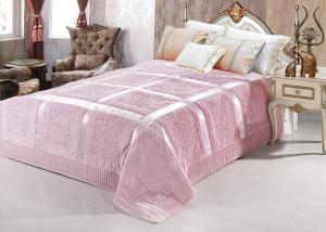 Меховой плед-покрывало с атласной лентой Бледно-розовый